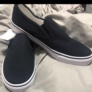 Hollister New in box navy blue sneakers unisex